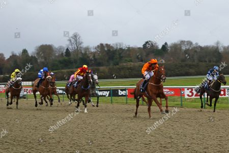 VARSOVIAN (orange) ridden by Jack Duern 1st The Play Jackpot Games at sunbets.co.uk/vegas Handicap Stakes at Lingfield