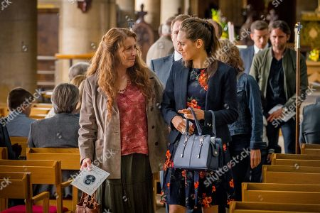 (Ep 1) - Phyllis Logan as Linda Hutchinson and Daisy Head as Ruby Hutchinson