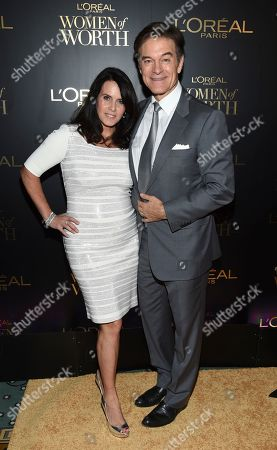 Lisa Oz, Mehmet Oz. Lisa Oz, left, and Mehmet Oz attend the L'Oreal Women of Worth Awards at the Pierre Hotel, in New York