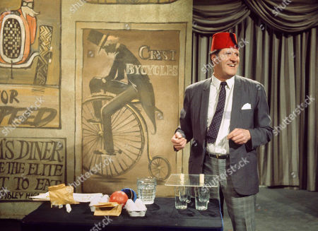Tommy Cooper (1970)