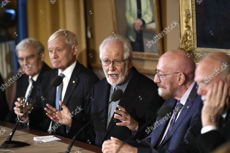 (L-R) Richard Henderson, Nobel laureate in chemistry, Joachim Frank, Nobel laureate in chemistry, Jacques Dubochet, Nobel laureate in chemistry, Kip Thorne, Nobel laureate in physics,  Barry Barish, Nobel laureate in physics, attend the press conference at the Royal Academy of Science in Stockholm, Sweden, 07 December 2017. The Nobel Prize Award Ceremony and Banquet will take place on 10 December.