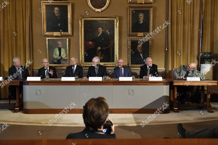 (L-R) Richard Thaler, Nobel laureate in economics, Richard Henderson, Nobel laureate in chemistry, Joachim Frank, Nobel laureate in chemistry, Jacques Dubochet, Nobel laureate in chemistry, Kip Thorne, Nobel laureate in physics,  Barry Barish, Nobel laureate in physics, Rainer Weiss, Nobel laureate in physics during the press conference at the Royal Academy of Science in Stockholm, Sweden, 07 December 2017. The Nobel Prize Award Ceremony and Banquet will take place on 10 December.