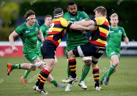 Richmond vs Connacht Eagles. Connacht's Naulia Dawai on the attack