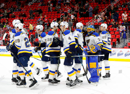 St Louis Blues Players Celebrate Their 6 1 Win Against The Detroit Red Wings
