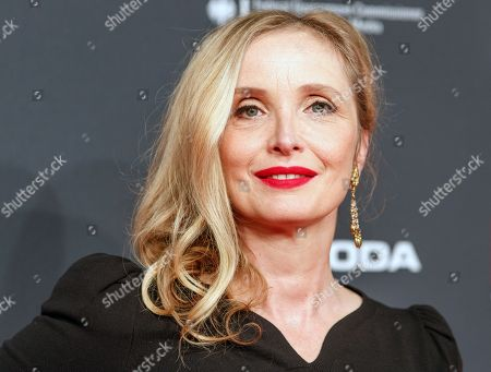 French actress Julie Delpy arrives on the red carpet for the 30th European Film Awards, in Berlin, Germany, 09 December 2017.  The nominations and winners are selected by more than 2,500 members of the European Film Academy.