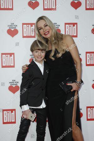 Xenia Seeberg and Sohn Philip-Elias Martinek