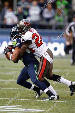 Darelle Revis (24) of the Tampa Bay Buccaneers in action during the fourth quarter against the Seattle Seahawks at CenturyLink Field during an NFL game in Seattle, WA. on