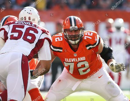 Mitchell Schwartz, LaMarr Woodley. Cleveland Browns tackle Mitchell Schwartz (72) against Arizona Cardinals outside linebacker LaMarr Woodley (56) in the first half of an NFL football game, in Cleveland