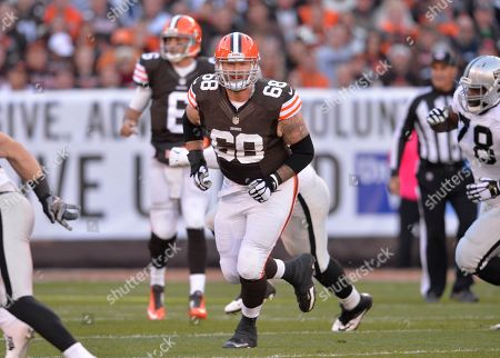 Cleveland Browns center Nick McDonald (68) blocks during an NFL football game against the Oakland Raiders, in Cleveland. Cleveland won 23-13