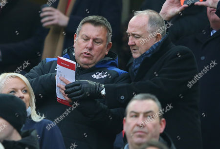 Craig Shakespeare and Steve Walsh of Everton talk in the stands