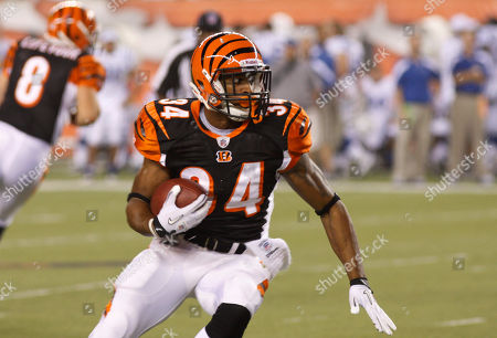 Cincinnati Bengals running back John Griffin (34) in action against the Indianapolis Colts in the first half of an NFL football game, in Cincinnati