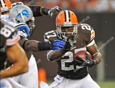 Cleveland Browns running back Brandon Jackson runs against the Detroit Lions in the first quarter of a preseason NFL football game, in Cleveland
