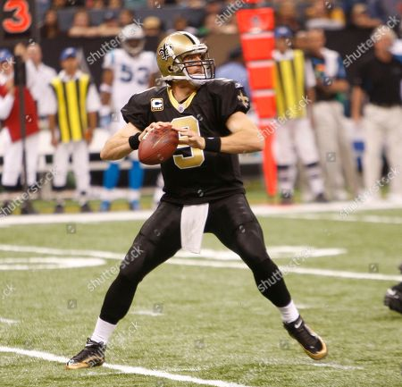 New Orleans Saints quarterback Drew Brees (9) in the first half of an NFL football game in New Orleans, . (AP Photo/Bill Haber