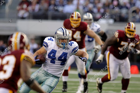 Dallas Cowboys fullback Chris Gronkowski during an NFL football game, in Arlington, Texas
