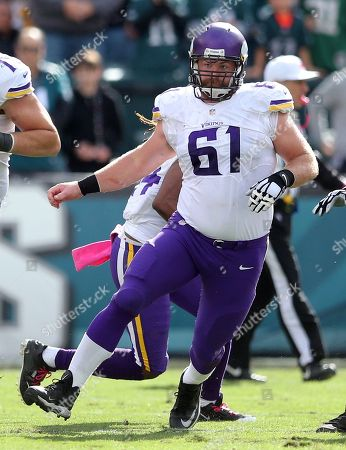 Minnesota Vikings guard Joe Berger (61) in action against the Philadelphia Eagles during an NFL game at Lincoln Financial Field in Philadelphia on