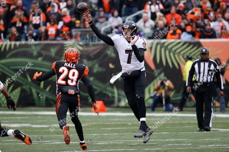 Ryan Mallett, Leon Hall. Baltimore Ravens quarterback Ryan Mallett (7) throws under pressure from Cincinnati Bengals strong safety Leon Hall (29) in the first half of an NFL football game, in Cincinnati