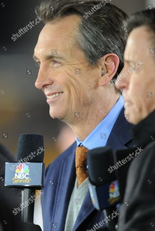 Chris Collinsworth, Bob Costas. Sunday Night Football's Chris Collinsworth, left, and Bob Costas on set before an NFL football game between the Pittsburgh Steelers and the Cincinnati Bengals on in Pittsburgh