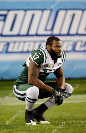 New York Jets wide receiver Braylon Edwards warms up before an NFL football game between the Tennessee Titans and the New York Jets, in Nashville, Tenn
