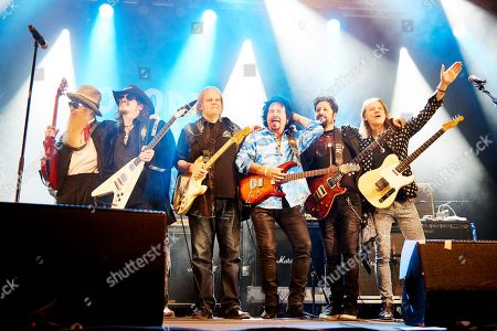 Billy Gibbons Lance Lopez Walter Trout Steve Lukather Doug Rappoport Robben Ford