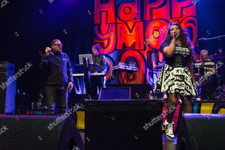 Happy Mondays - Shan Ryder and Rowetta Satchell