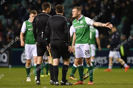 Anthony Stokes disagrees with referee during the Ladbrokes Scottish Premiership match between Hibernian and Rangers at Easter Road, Edinburgh