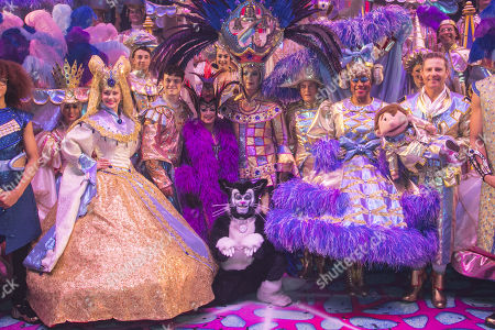 Emma Williams (Alice Fitzwarren), Charlie Stemp (Dick Whittington), Elaine Paige (Queen Rat), Julian Clary (Spirit of the Bells), Nigel Havers (Captain Nigel), Gary Wilmot (Sarah the Cook) and Paul Zerdin (Idle Jack) backstage