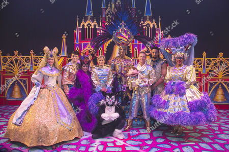 Emma Williams (Alice Fitzwarren), Charlie Stemp (Dick Whittington), Elaine Paige (Queen Rat), Nigel Havers (Captain Nigel), Lukus Alexander (Eileen the Cat), Julian Clary (Spirit of the Bells), Paul Zerdin (Idle Jack), Ashley Banjo (The Sultan) and Gary Wilmot (Sarah the Cook) backstage