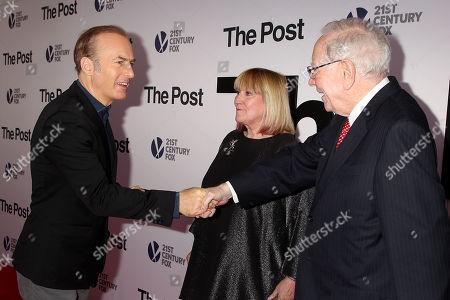 Bob Odenkirk Susan Buffett and Warren Buffett