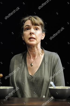 Phoebe Nicholls as Elizabeth