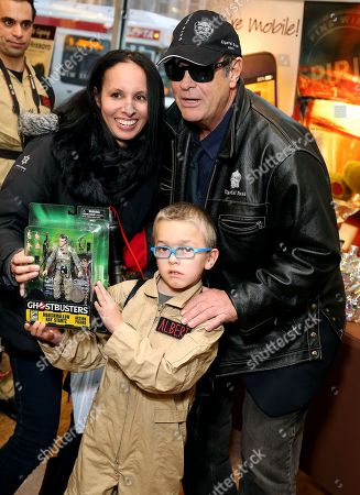Dan Aykroyd and fans