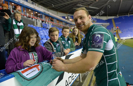 Greig Tonks of London Irish thanks the fans after the European Rugby Challenge Cup Pool 4 match between London Irish and Stade Francais Paris at Madejski Stadium on December 16th 2017 in Reading, Berkshire, England. (Photo by Gareth Davies/PPAUK)