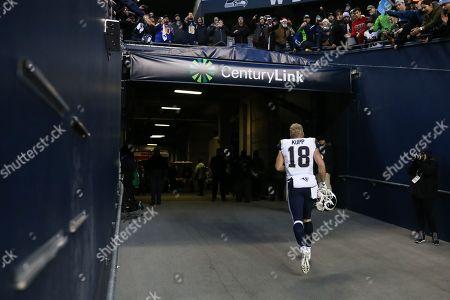 7d17d5af0 Los Angeles Rams wide receiver Cooper Kupp (18) runs into the locker room  after