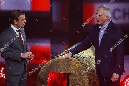 Markus Lanz and der Bombenentschaerfer Dieter Schwetzler