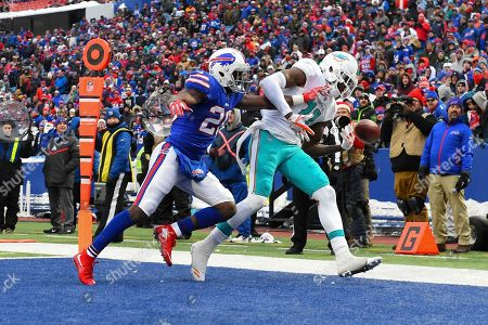 Shareece Wright, DeVante Parker. Buffalo Bills cornerback Shareece Wright (20) breaks up a pass intended for Miami Dolphins wide receiver DeVante Parker (11) in the end zone during the second half of an NFL football game, in Orchard Park, N.Y. The Bills won 24-16