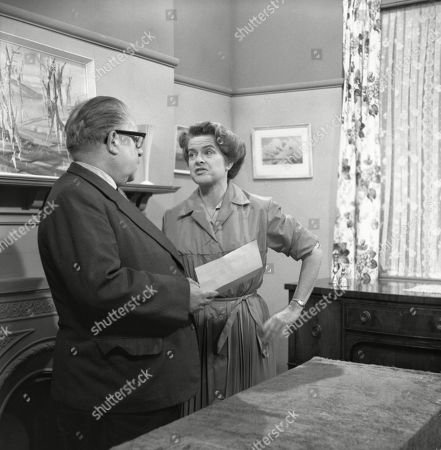 Jack Howarth (as Albert Tatlock) and Daphne Oxenford (as Esther Hayes)