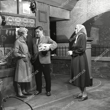 Stock Picture of Betty Alberge (as Florrie Lindley), Frank Pemberton (as Frank Barlow) and Marion Dawson (as Matilda Grimshaw)