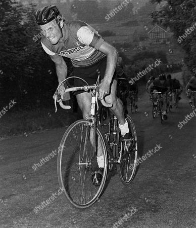 Philip EDWARDS (Bristol) 1968 Cowbridge Kermesse Wales. 1st Gary Crewe, 2nd Phil Edwards 3rd John Pierce ( Obscured by Edwards )