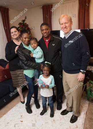 Aaron's, Inc., a leading omnichannel provider of lease-purchase solutions, and its divisions Aaron's and Progressive Leasing, surprised a single mother and her children today with rooms of furniture to fill their new home as part of Homes for the Holidays (HFTH) program sponsored by former NFL star Warrick Dunn, on in Atlanta. The 159th home was presented by Warrick Dunn Charities' (WDC) HFTH program, which assists single parents in becoming first-time homeowners by providing the materials necessary for long-term stability and the provisions required to ensure that both parent and children can thrive educationally, socially and economically