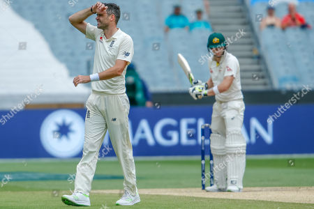 A frustrated James Anderson with his arm on his forehead after nearly getting an edge off Steve Smith during day 5 of the 2017 boxing day test.