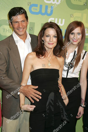 Thomas Calabro, Laura Leighton and Ashlee Simpson-Wentz