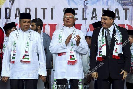 Malaysia Prime Minister Najib Tun Razak (C) attend to Solidarity Save Baitulmaqdis (Jerusalem) outside Kuala Lumpur.