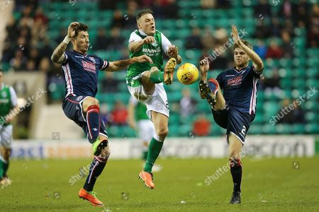 Anthony Stokes (#28) of Hibernian and Marcus Fraser (#2) of Ross County contest the ball during the Ladbrokes Scottish Premiership match between Hibernian and Ross County at Easter Road, Edinburgh