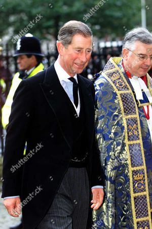 Prince Charles Attending The Service Of Thanksgiving At Westminster Abbey In London Celebrating The Life Of Comic Sir Harry Secombe Friday October 26 2001. The Goon Show Legend Who Died In April From Cancer At The Age Of 79 Will Be Remembered By Family And Friends At The Event. The Prince Of Wales Was Among The Goons' Most Prominent Fans And Led The Tributes Following His Death. Sir Harry Was Also Known For His Fine Tenor Singing Voice Which He Used To Great Effect On The Religious Tv Programmes He Presented Such As Highway And Songs Of Praise. He Had Battled Against Ill-health For Many Years Suffering From Diabetes Prostate Cancer And Then A Stroke. Picture Jeremy Selwyn
