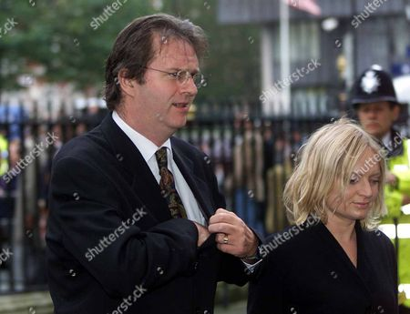Stars Attending The Service Of Thanksgiving At Westminster Abbey In London Celebrating The Life Of Comic Sir Harry Secombe Friday October 26 2001. The Goon Show Legend Who Died In April From Cancer At The Age Of 79 Will Be Remembered By Family And Friends At The Event. The Prince Of Wales Was Among The Goons' Most Prominent Fans And Led The Tributes Following His Death. Sir Harry Was Also Known For His Fine Tenor Singing Voice Which He Used To Great Effect On The Religious Tv Programmes He Presented Such As Highway And Songs Of Praise. He Had Battled Against Ill-health For Many Years Suffering From Diabetes Prostate Cancer And Then A Stroke. Picture Shows Paul Merton Picture Jeremy Selwyn