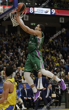 Ray McCallum (R) of Unicaja Malaga against John Dibartolomeo (L) of Maccabi Fox Tel Aviv during their Euroleague basketball game in Tel Aviv, Israel, 28 December 2017.