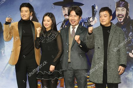 South Korean actor Kim Myung-min (L), actress Kim Ji-won (2-L) and actor Oh Dal-soo (2-R), who star in the new movie 'Detective K3: Secret of Blood Sucking Demon,' pose with director Kim Seok-yoon (R) during a showcase to promote the film, in Seoul, South Korea, 03 January 2018. The comic period film will be screened in South Korea in mid-February.