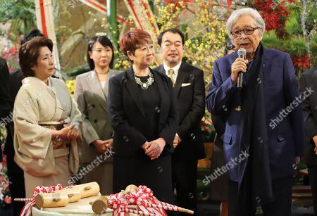 Japanese film director Yoji Yamada (R)