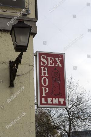 In frankfurt sexshop [Serious] Best