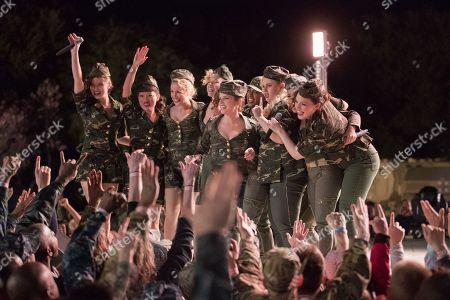 Hailee Steinfeld, Hana Mae Lee, Anna Camp, Kelley Jakle, Anna Kendrick, Ester Dean, Rebel Wilson, Chrissie Fit, Shelley Regner