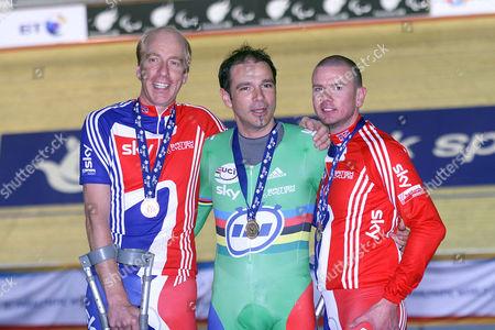 1000m Time trial : Simon Richardson (left) Gold medallist Britain's  Darren Kenny (center),  Rik Wadden